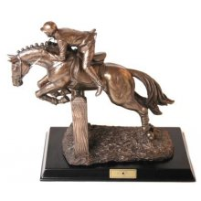 Show Time SHOW JUMPER Show Time is a range of limited edition figurines that celebrates the relationship between horse and riderTh. Please Click the image for more information.
