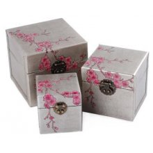 CHERRY BLOSSOM Set of 3 Boxes Cherry Blossom Set of 3 BoxesLovely boxes with a cherry blossom designPerfect to store all your treasuresColour GreySilver with pink decorative flowersA beautiful addition to any dressing tablemeasurements 14cm . Please Click the image for more information.