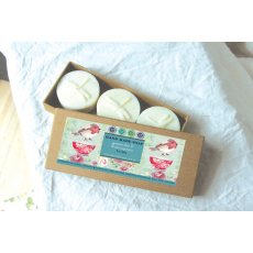Green Tea & Lemongrass Soap (3 x 30g) boxed Delightfully subtle scent hand made in Australia with the nicest ingredients Please Click the image for more information.