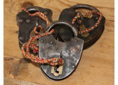 OLD PADLOCKS Various old padlock and key sets CERTIFICATE supplied Please Click the image for more information.